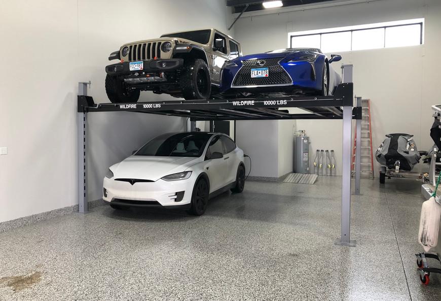 Double Wide Car Lift in Minnesota.jpg