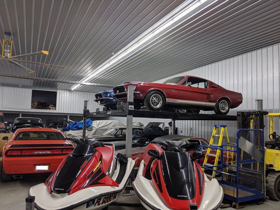 Side By Side Car Lift - Mustangs.JPG