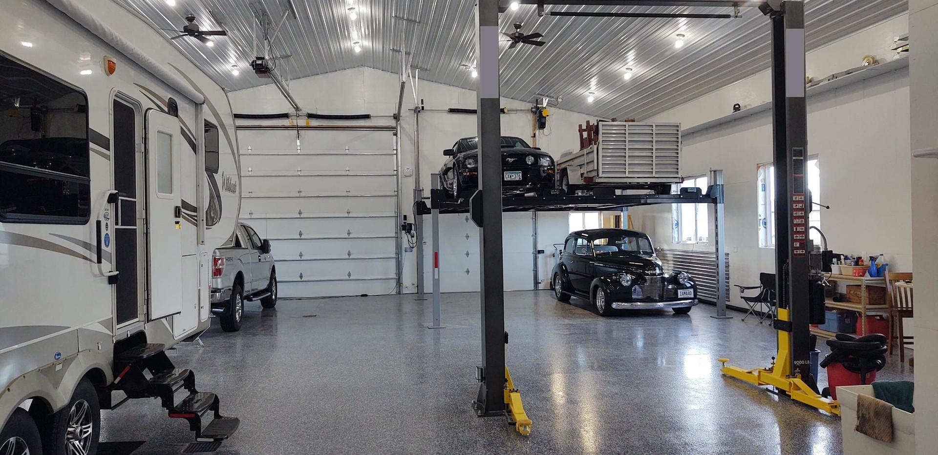Double Wide Car Lift.jpg