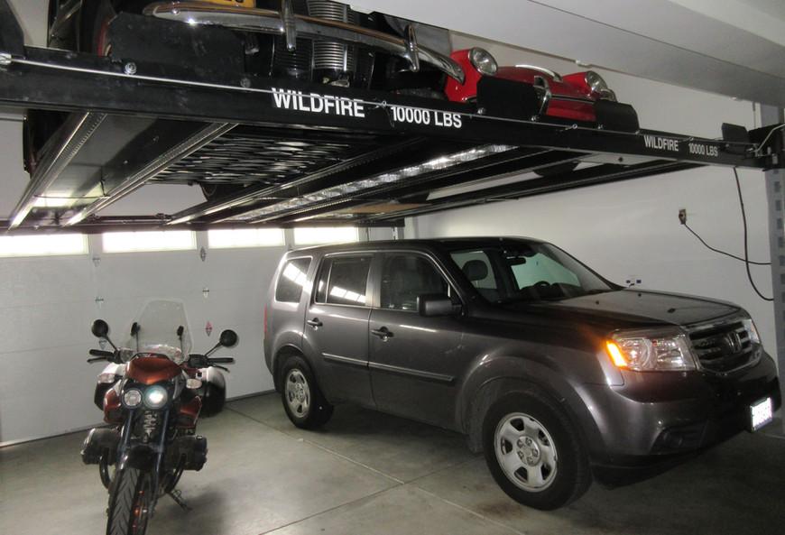 Double Wide Car Lift in California.JPG