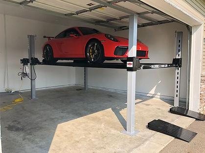 Porsche 911 GT3 on Wildfire Lifts Garage