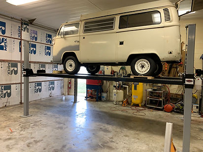 Volkswagen Van on a Wilfire Lifts WF9000