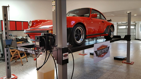 Porsche_on_WF9000_car_lift_in_Colorado.p