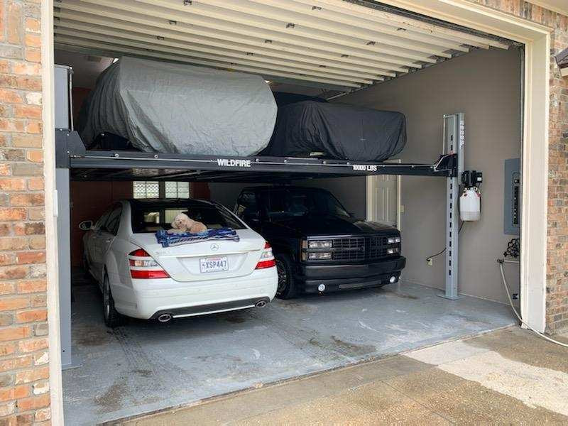 Wildfire Lifts Double Wide Car Lift in L