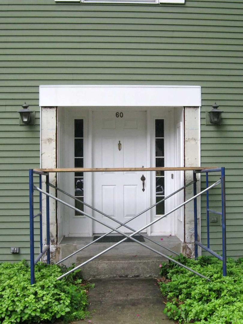entryway-before.jpg