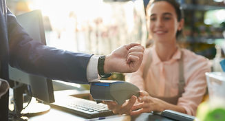 contactless-payment-in-boutique-MUWVNF9_edited.jpg