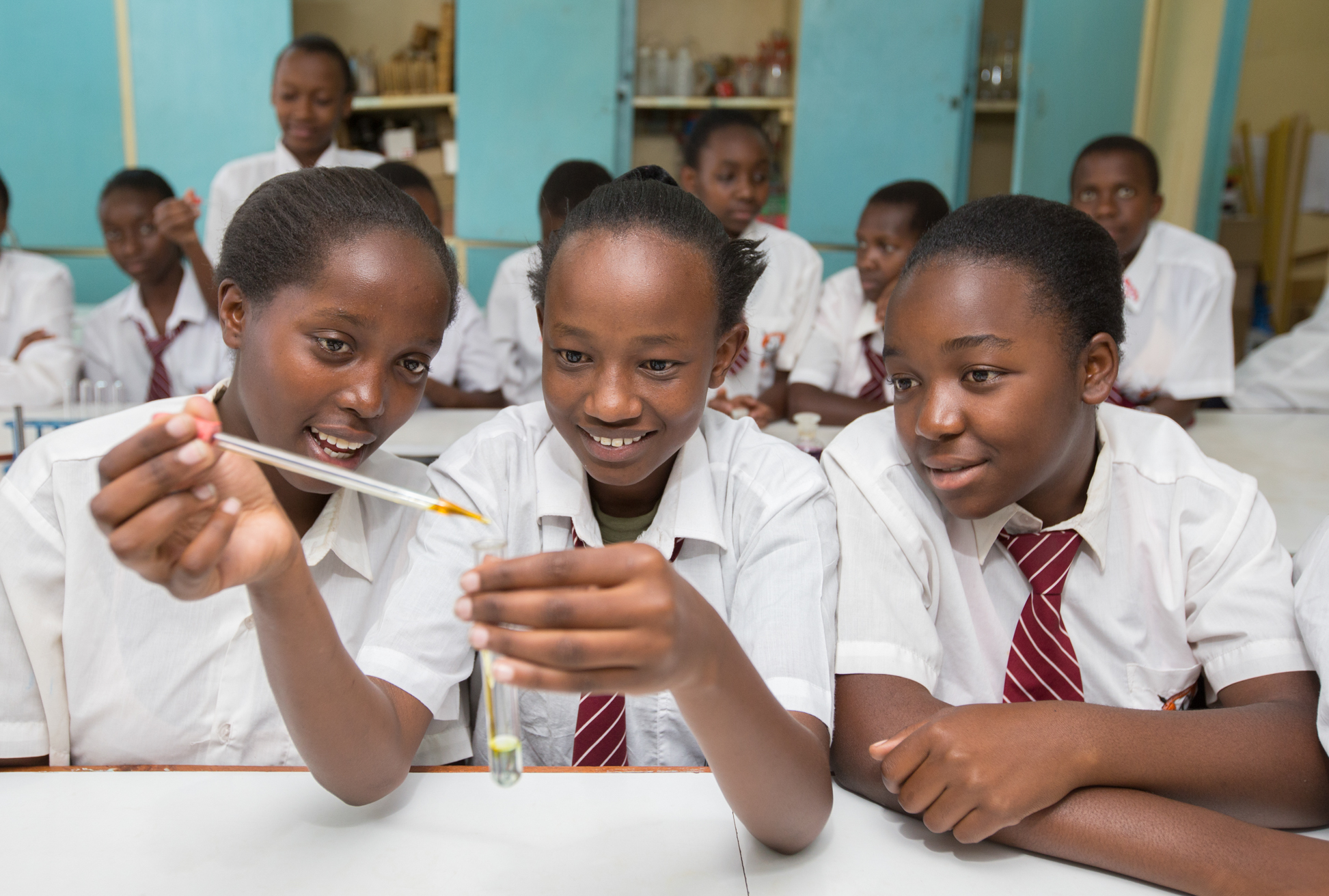 SecondarySchool-Pupils+Teachers-14