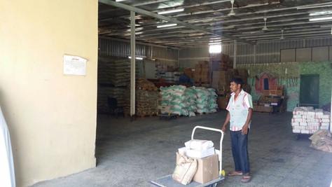 توزيع ٤٥٠ سلة غذئية
