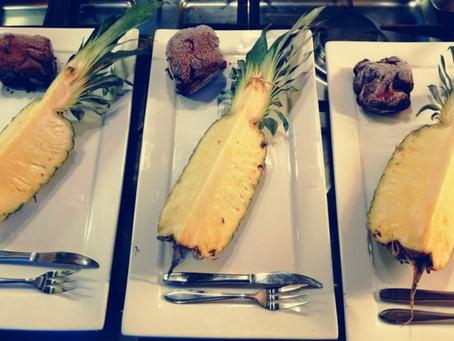 Ananas gekarameliseerd...een zomers dessert van de barbecue.