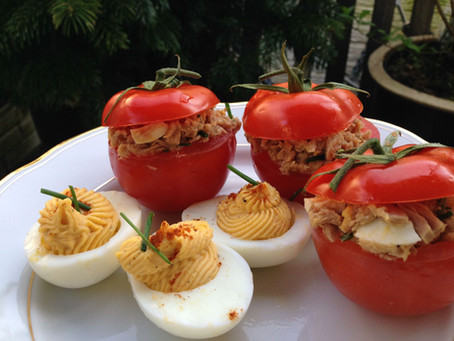 Tomaten gevuld met tonijn