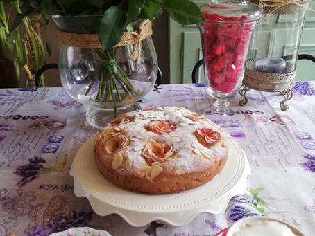 Appelcake met roosjes