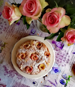 appelcake met roosjes gereed (2)