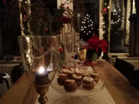 Sneeuwkoeken met walnoten en witte chocolade.