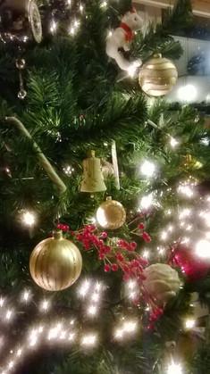 kerstboom versiering close-up