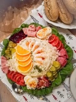 Het Oud Hollandse slaatje ( rundvlees salade) naar het recept van wijlen mijn Moeder.