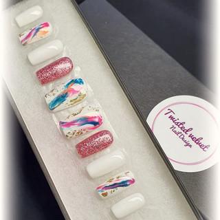 white thread press on nails.jpg