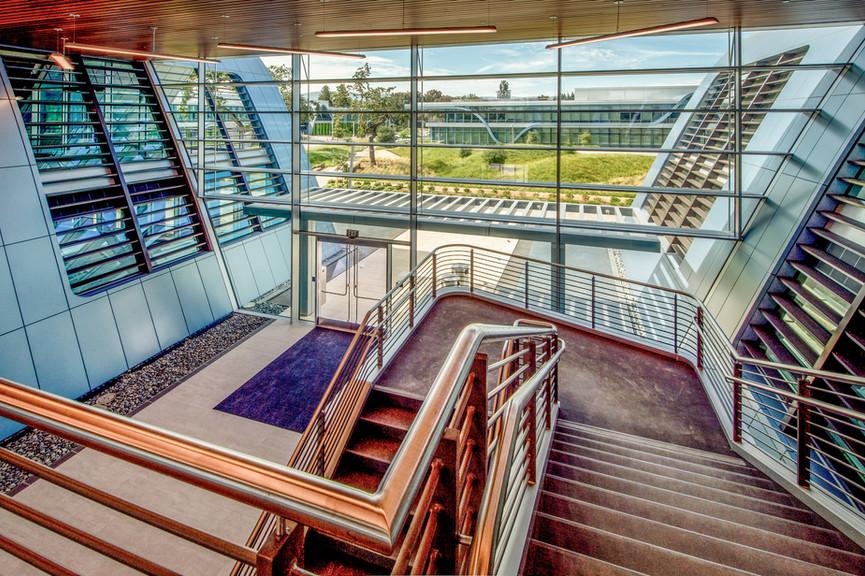 bldg-4-stairs-and-lobbyjpg