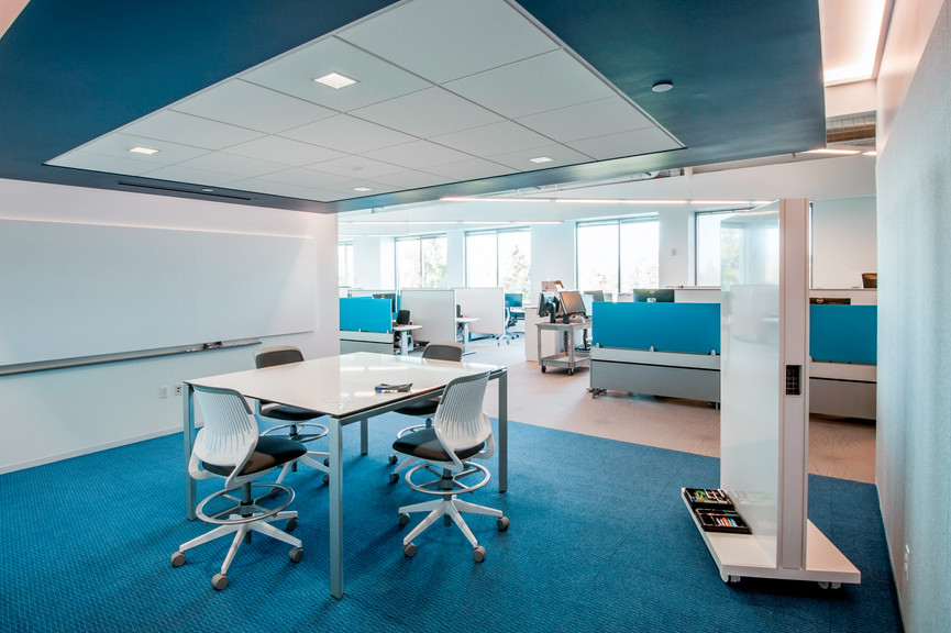 meeting-area-and-cubiclesjpg