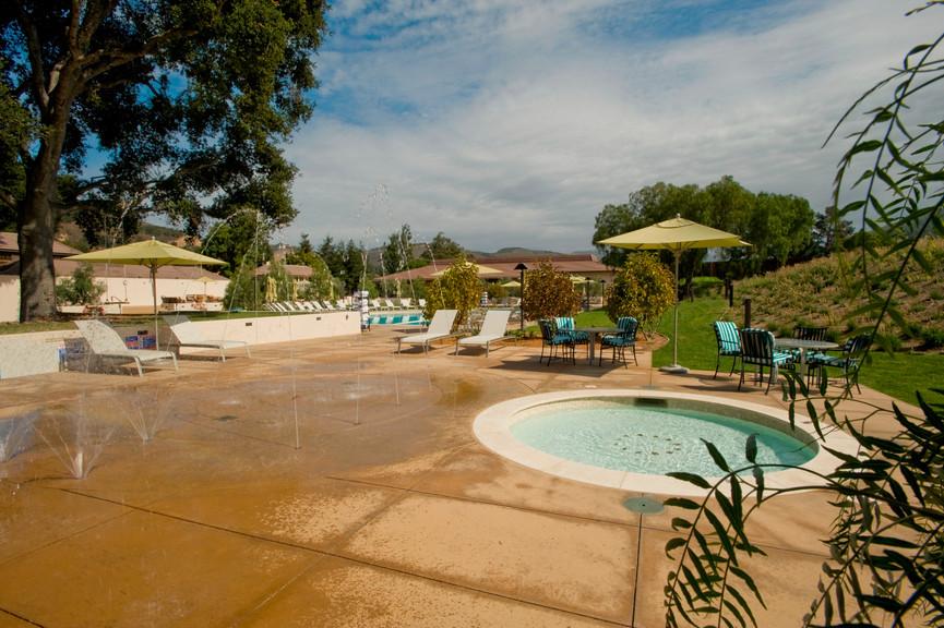 kiddie-pool-and-fountainjpg