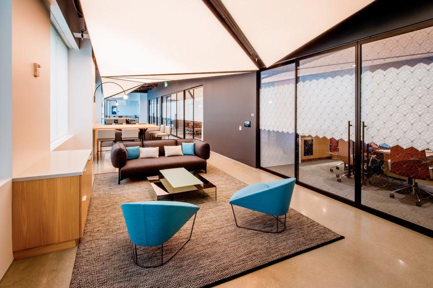 lounge-3jpg