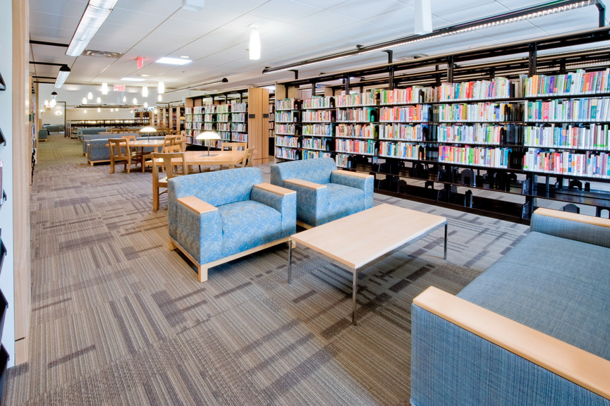 seating-area-and-stacks-2jpg