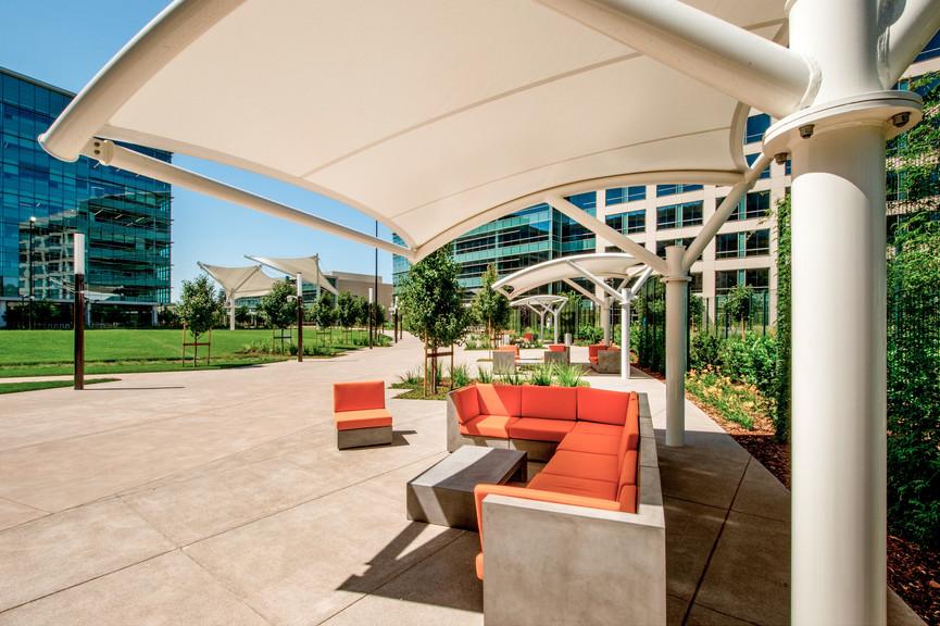 courtyard-seatingjpg