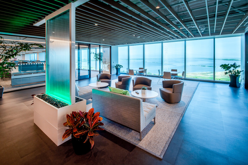 5th-floor-loungejpg