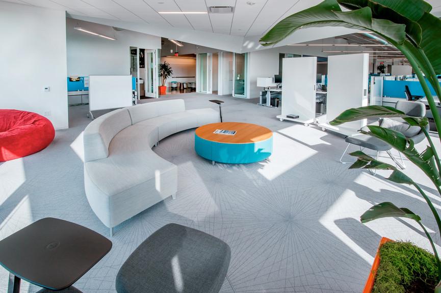 fourth-floor-loungejpg