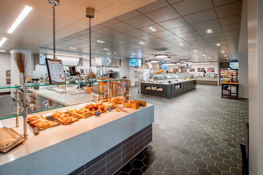 cafeteria-4jpg