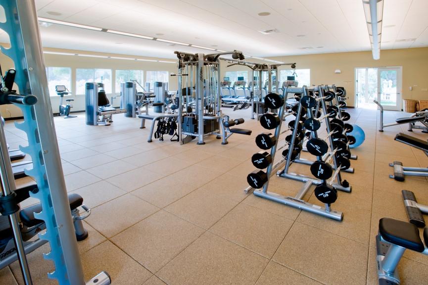 fitness-center-interior-2jpg
