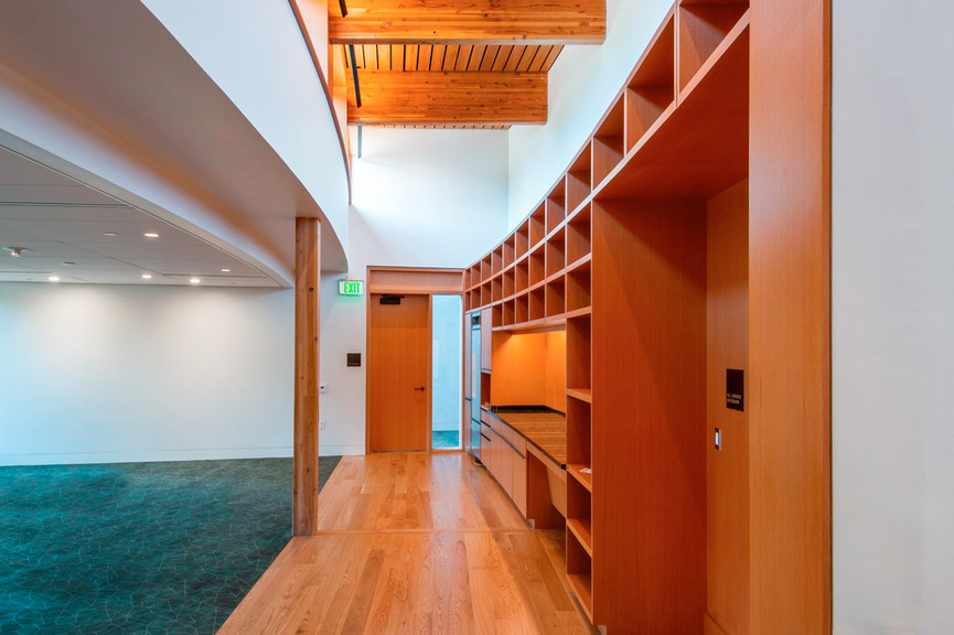 second-floor-reception-vertjpg