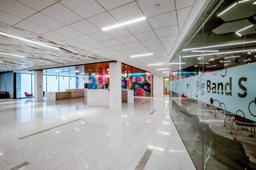 lobby-2jpg