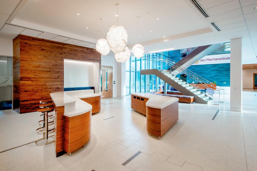 lobby-1jpg