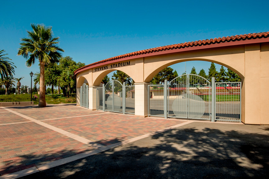 entry-plaza-2jpg