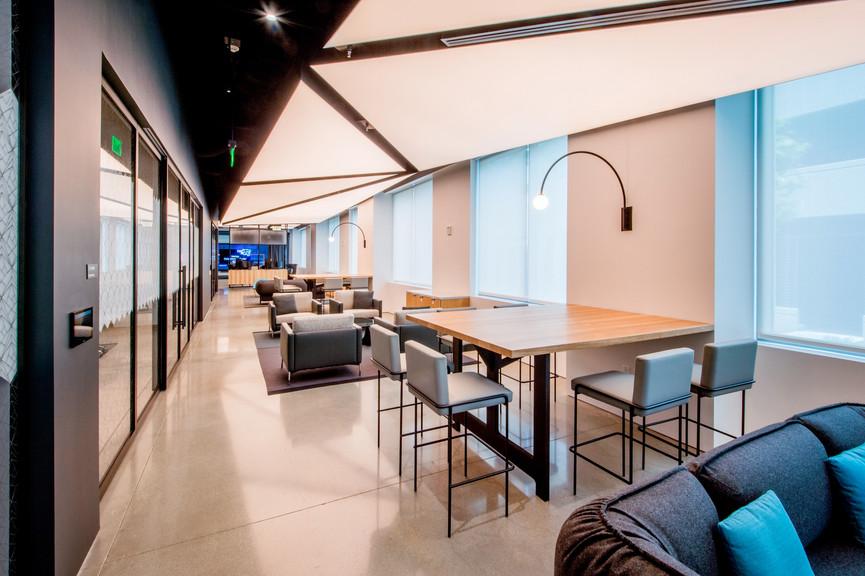 lounge-2jpg