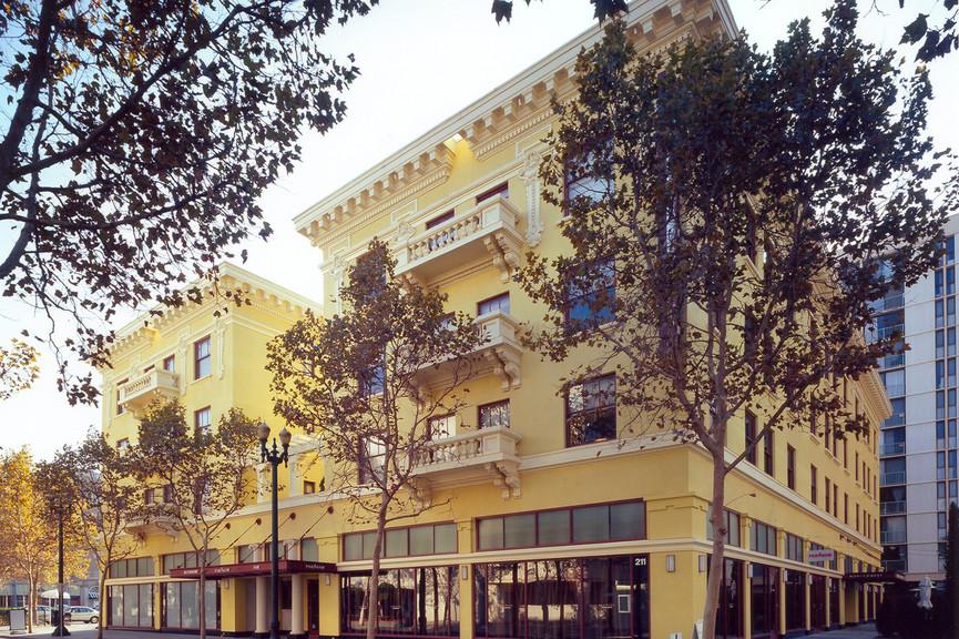 montgomery-hotel-exterior-daytimejp