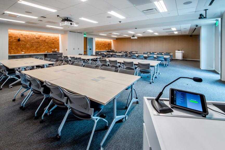 meeting-room-2jpg