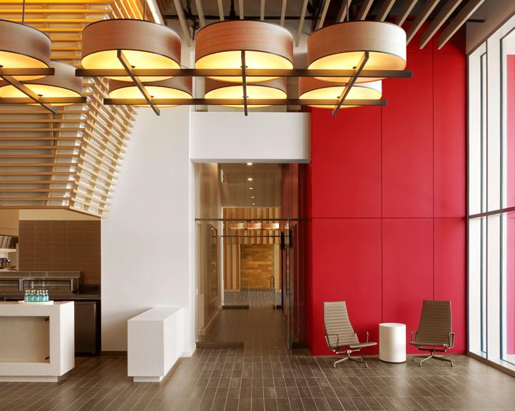 501-club-entry-and-elevator-lobbytif