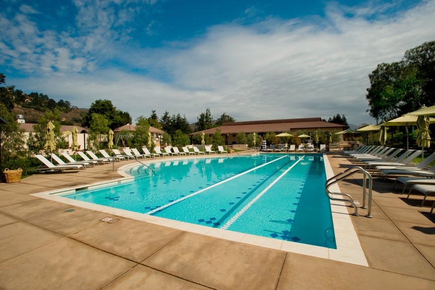 fitness-center-pool-3jpg