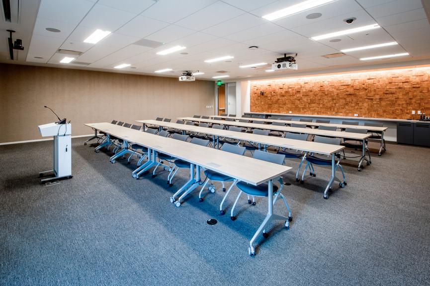 meeting-room-1jpg