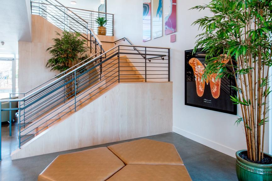 lobby-verticaljpg