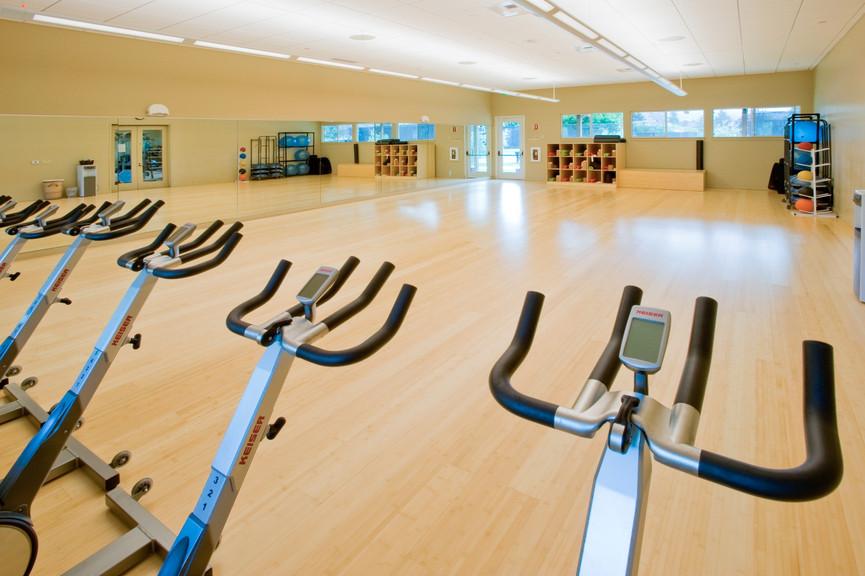 fitness-center-interior-1jpg