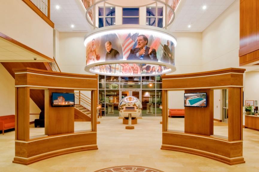lobby-displays-verticaljpg