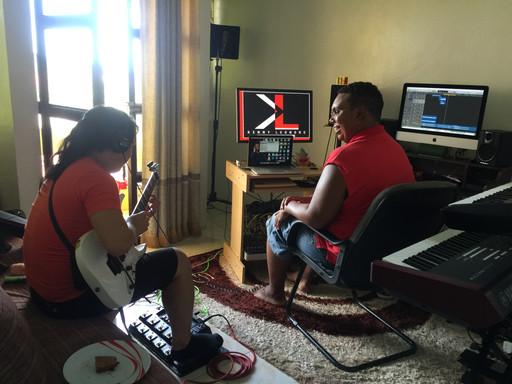 Kenny rehearsing