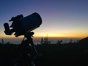 telescopio al atardecer.jpeg