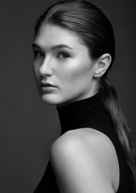 Editorial Model Morgan Furber