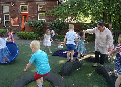 weetwoood nursery school children