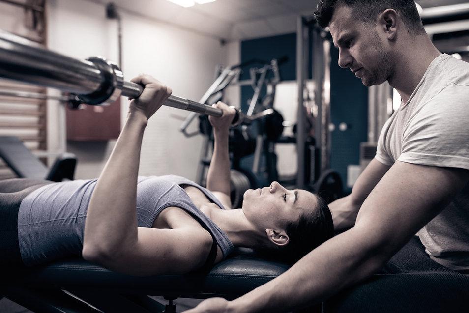 Allenamento sala pesi