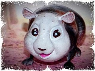 Cochon d'inde cartoon's tricolore 5 cm environ
