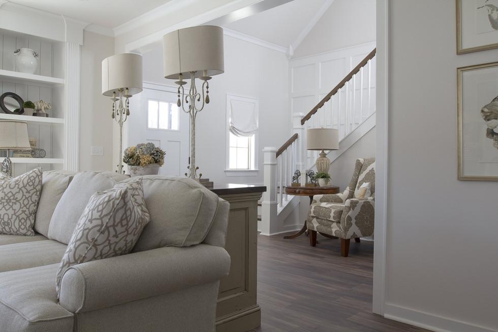 living-room-2605530_1920.jpg